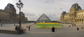 Flokia_au_Louvre_Philipp_Dreber_a